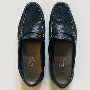 Talbots Black pebbled leather loafers size 8.5